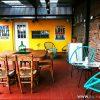 Patio con parrilla en LOPEZ Hostel & Suites, Palermo, Buenos Aires