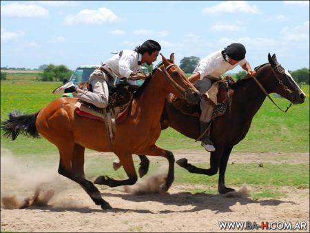 Fiesta Gaucha, carrera de caballos