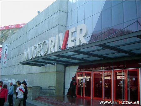 River Tour Museo River