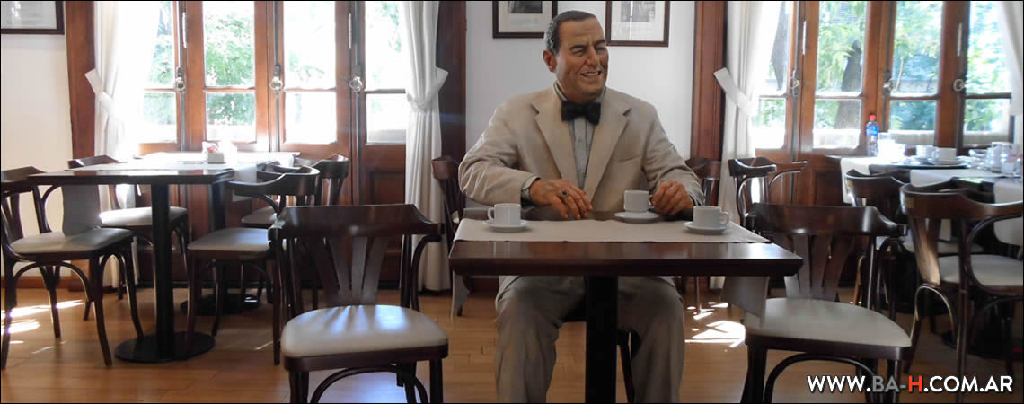 Un Café con Perón, Buenos Aires