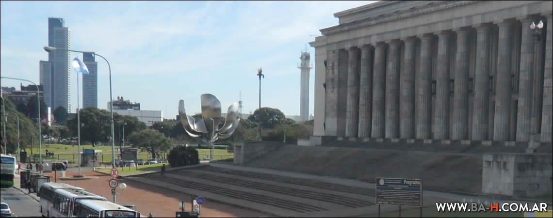 Monumento llamado Floralis Genérica