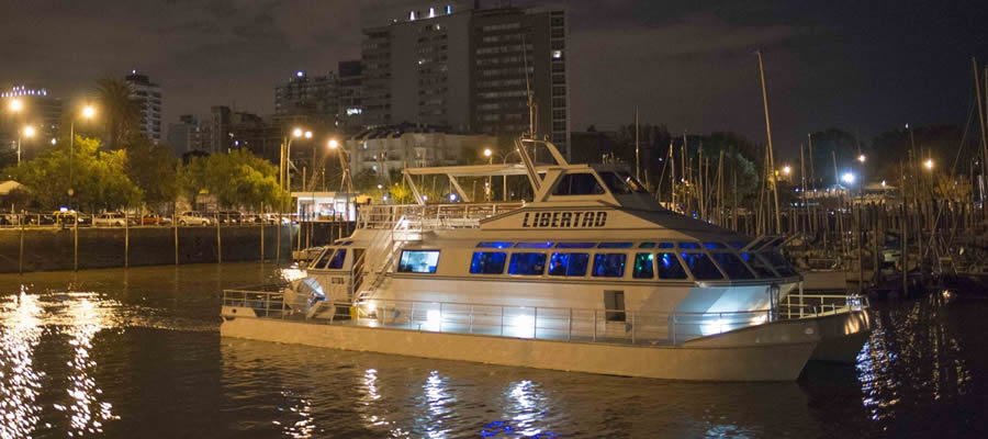 Salir de noche en Buenos Aires: Fiesta en un catamarán en Olivos, Buenos Aires