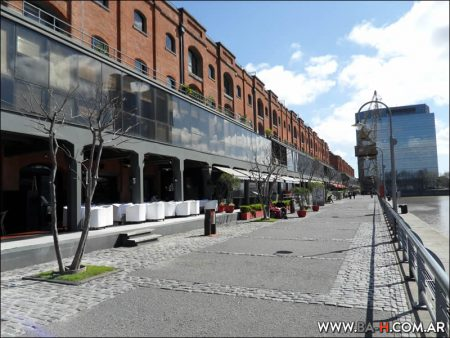 Puerto Madero, Dock, Restaurants