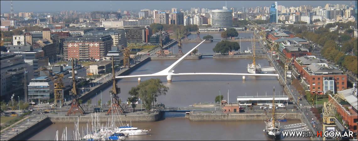 Recorrido a pie de Puerto Madero a la Costanera: Puente de la Mujer