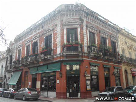 101 cosas sobre Buenos Aires Bares Notables Café Plaza Dorrego