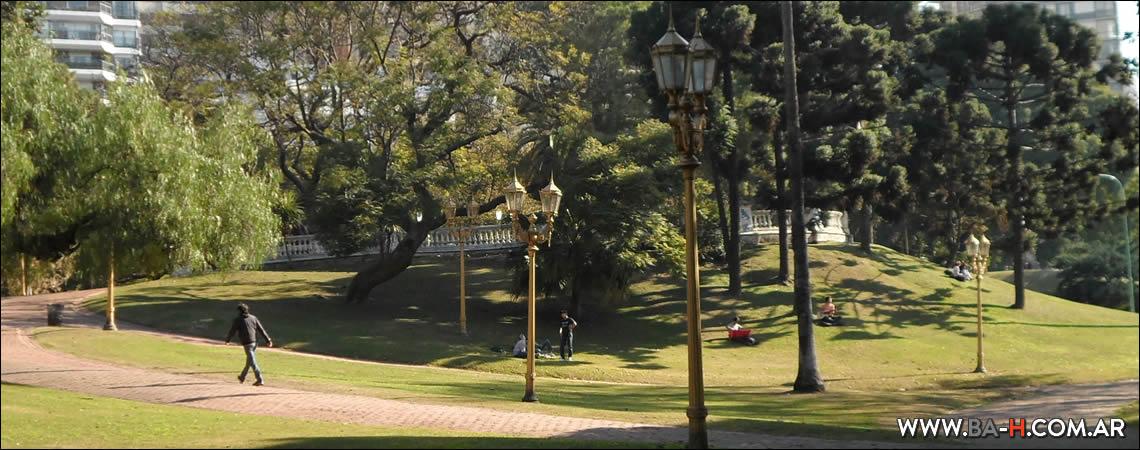 Recorrido a pie por Belgrano Plaza Barrancas de Belgrano
